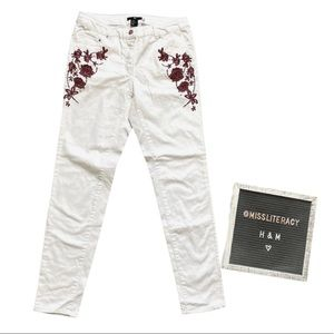 H&M White Denim Red Embroidered Floral Jeans US 8